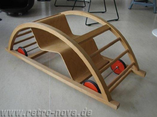 Schaukelwagen-manufactum-01.jpg