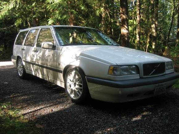 Volvo_850_turbo_wagon_BTCC-style.jpg