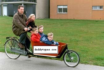 Bakfiets Dutch Family Bike For The Fellas Daddy Types