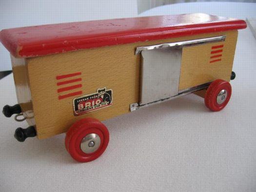 brio_traincar2_tradera.jpg