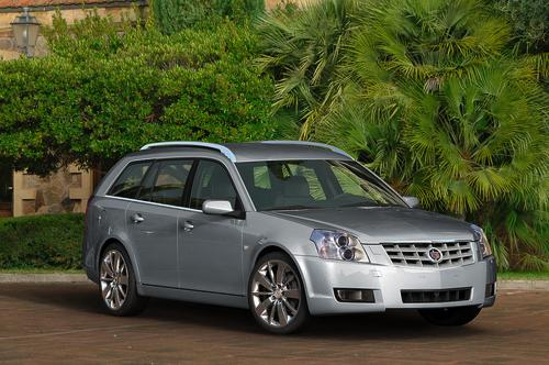 Cadillac BLS wagon and sedan will be unveiled at the Frankfurt Auto Show
