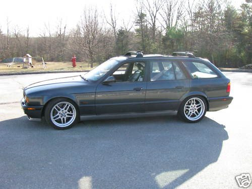 e34_m5_touring_on_ebay.jpg