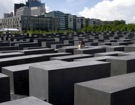 eisenman_berlin_memorial.jpg