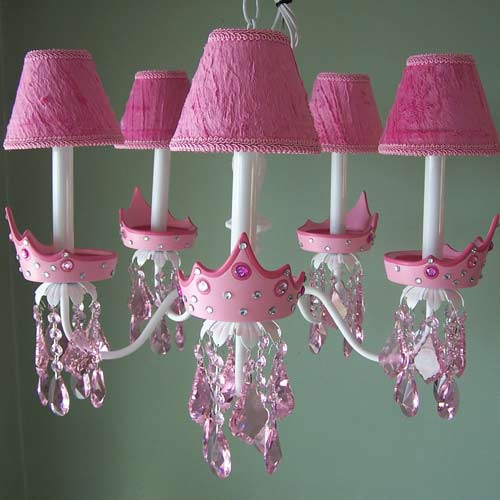glamour_girl_wsj_wtf_chandelier.jpg