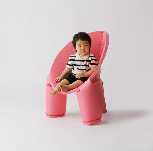 h220430_EVA_chair1.jpg