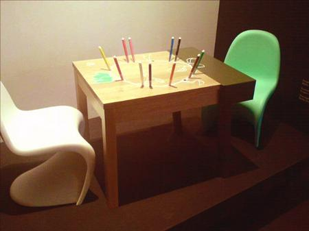 kidsmodern_porcupine_desk.jpg