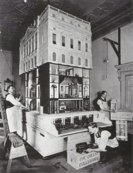 lutyens_queen_marys_dollhouse.jpg
