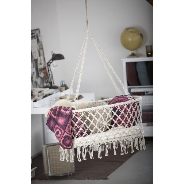 Hanging things guys stuff kids stuff ideas dads baby for Diy macrame baby swing