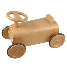 muji_plywood_car.jpg