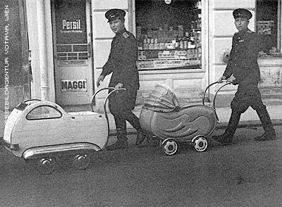 nazi_strollers_wien.jpg