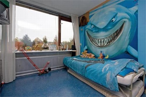 nemo_shark_dutch_house.jpg