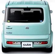 nissan_cube_rear.jpg