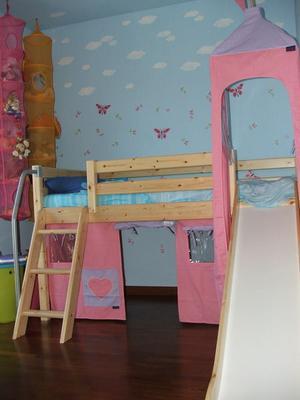 normal_room_pink_ikea.JPG