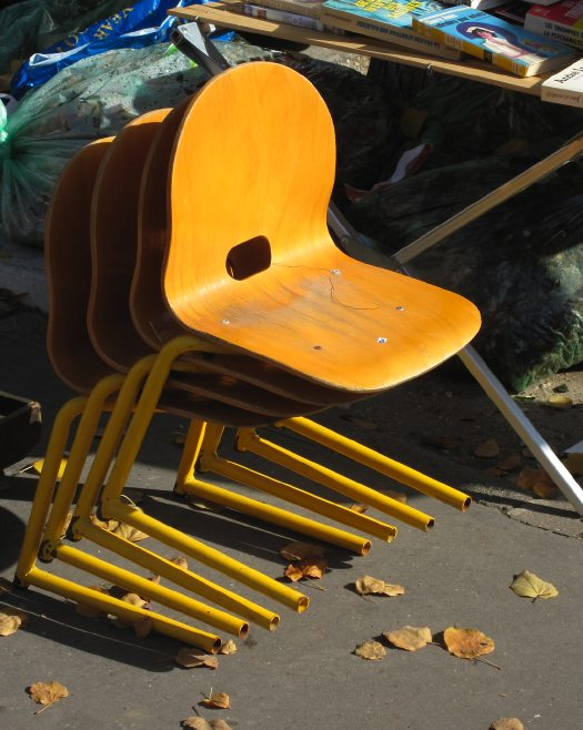 paris_flea_chairs_anon.jpg