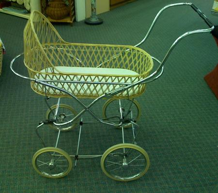 presty_wicker_chrome_pram.jpg