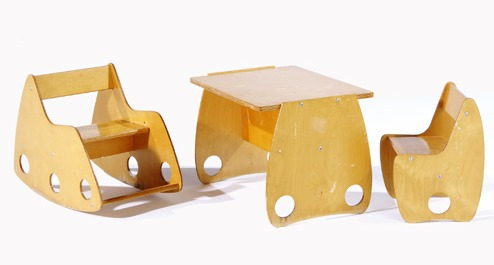 rusian_kids_table_chairs.jpg
