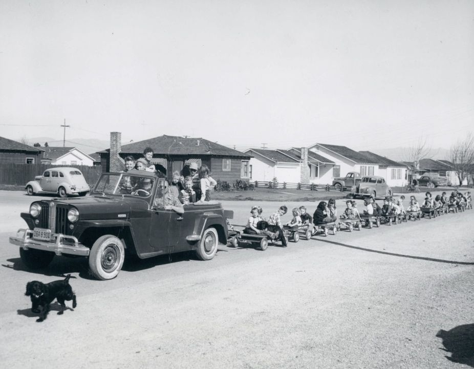 Old-Timey Photos Of Kids With Cars - Daddy Types