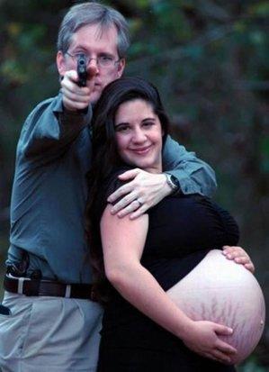 daddys_got_a_gun_awk.jpg