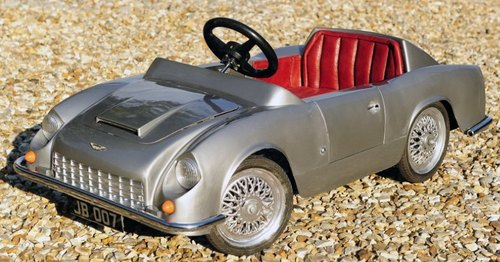 aston_db5_pedal_car.jpg