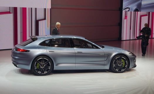 panamera_sport_tourismo_paris_cd.jpg