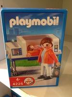playmobil_4225_incubator.jpg