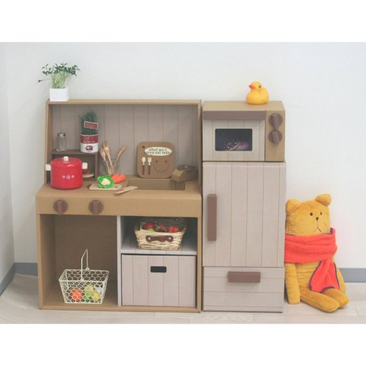 Japanese kids always have the best cardboard play kitchens for Diy kids kitchen ideas