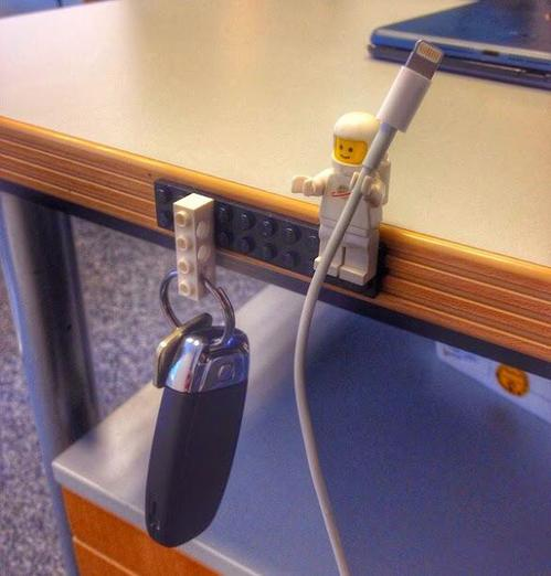 lego_cable_genius_techmog.jpg